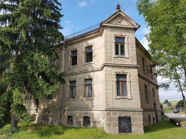 villenartiges Wohnhaus/ Zweifamilienhaus zwischen Görlitz und Zittau