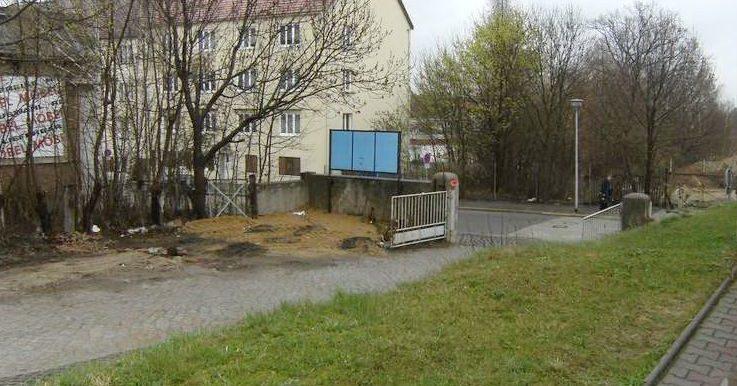 Zufahrt Weiße Mauer