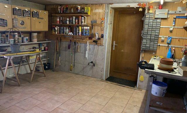 Werkstatt mit Tür - ehemals Garage