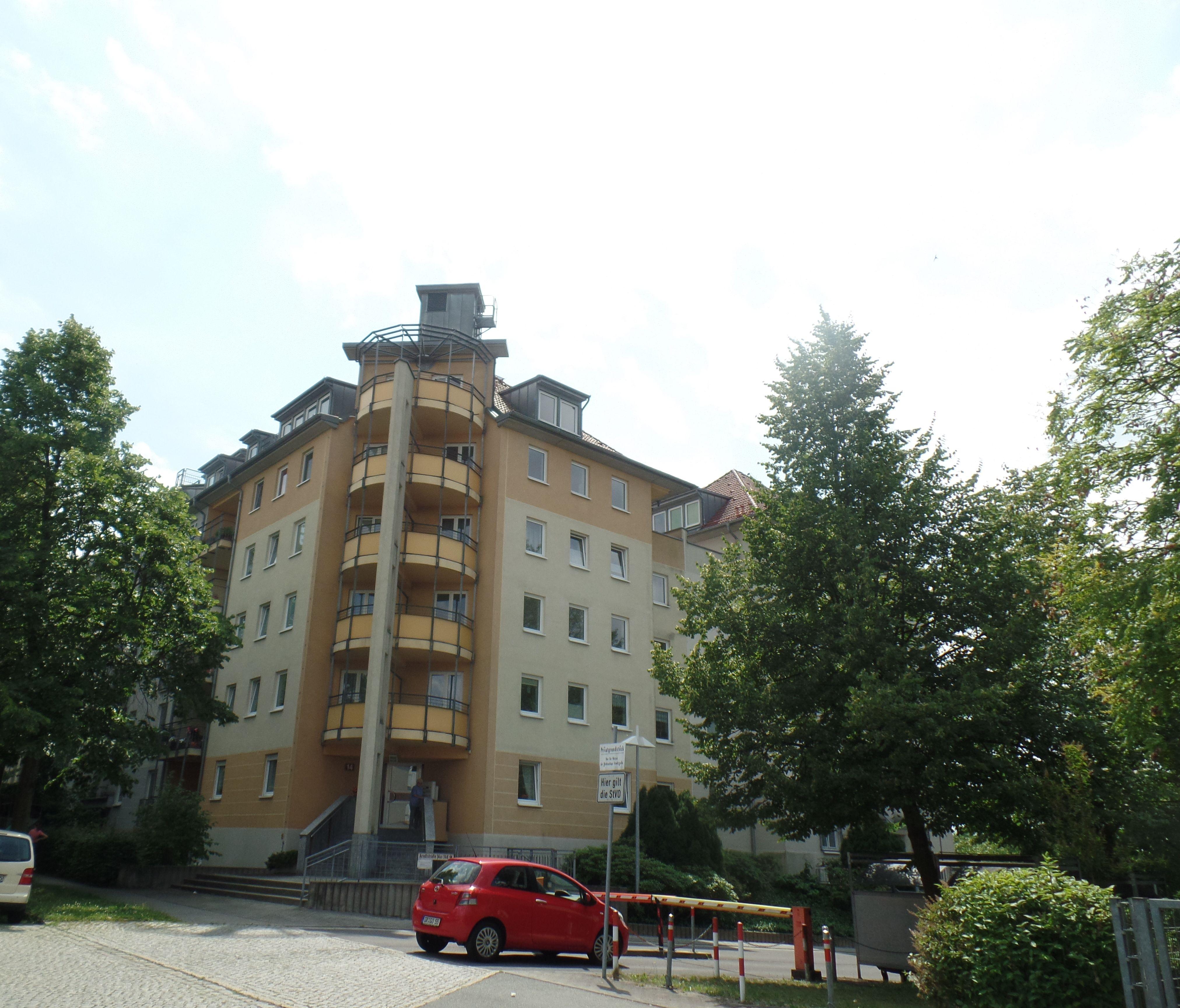 Attraktive 2-Raum-Wohnung im EG mit Balkon und Tiefgarage