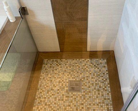 Mosaikfliesen bodentiefe Dusche