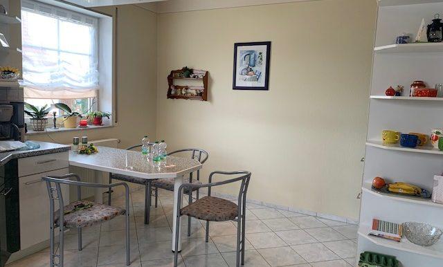 Küche Sitzbereich mit Eckschrank