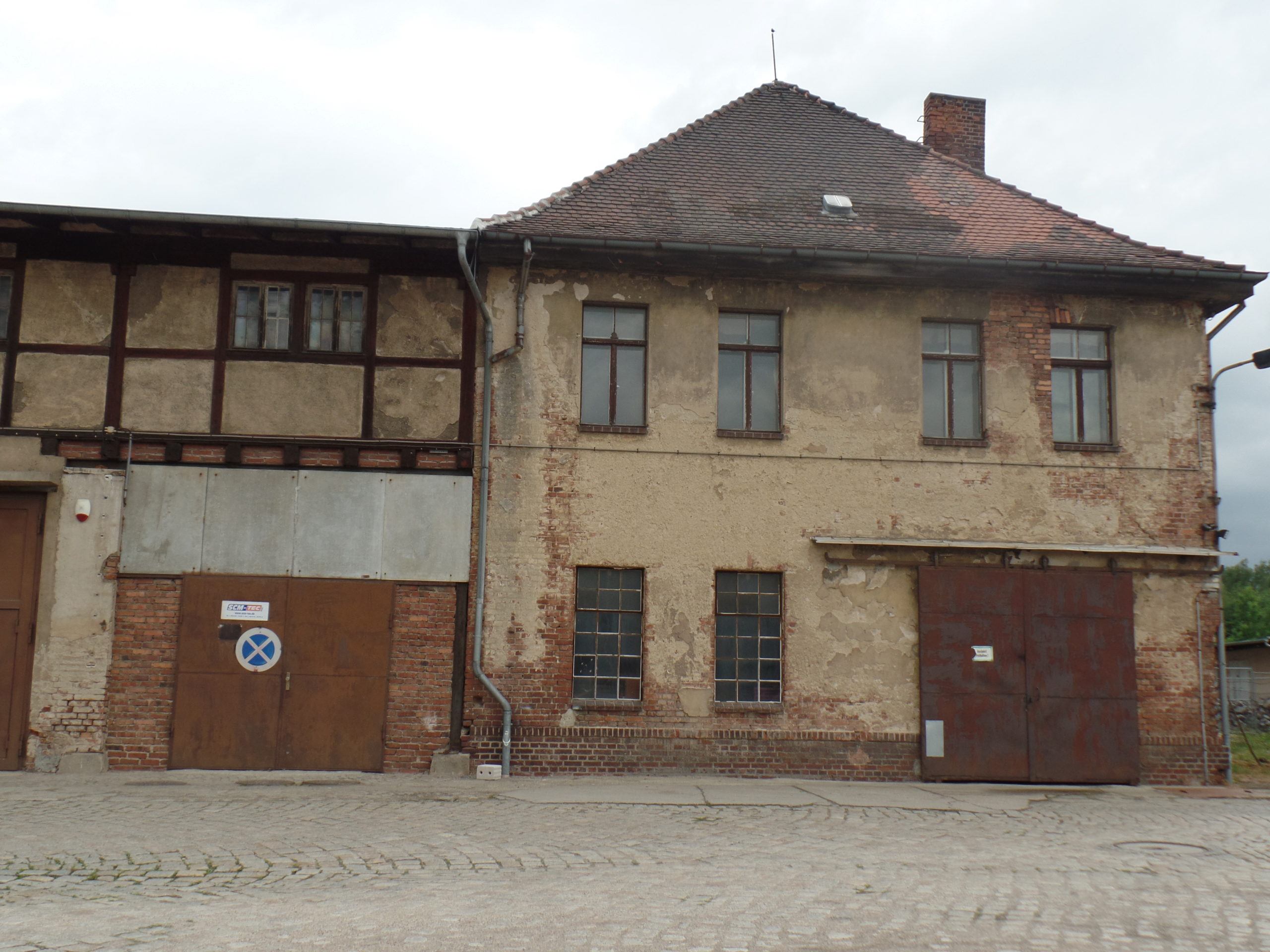 Denkmalgeschütztes Bürohaus mit Schmiede