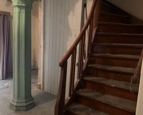 seitlicher Treppenaufgang Eingang giebelseitig