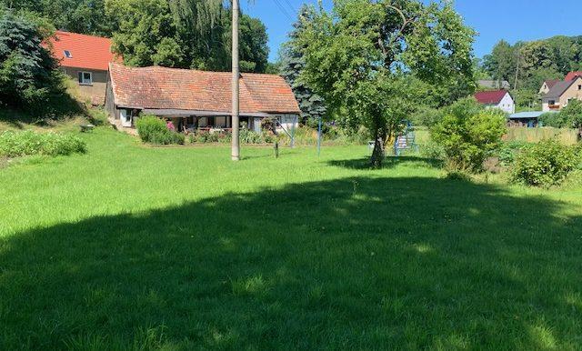Grundstück mit Gartenhaus
