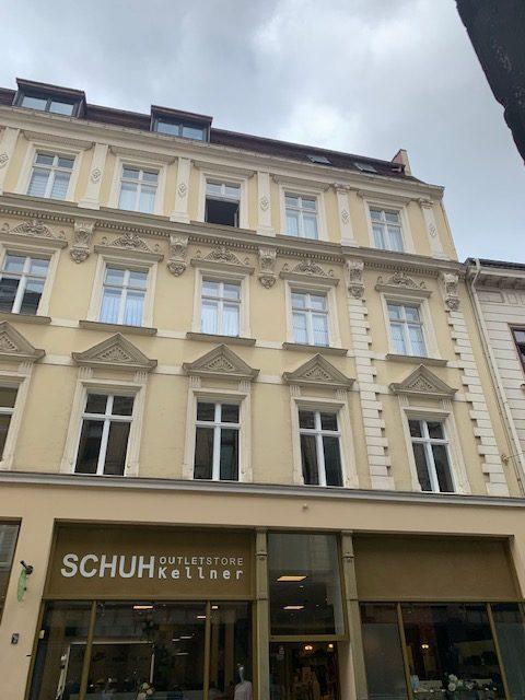 Großzügige 3-Raumwohnung mit Lift und Einbauküche im Herzen der historischen Altstadt
